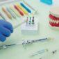 wybielanie protez zębowych